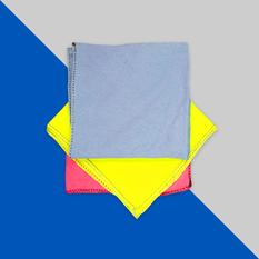 Toalla nueva de camiseta de color