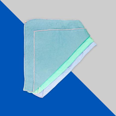 Toalla nueva de sábana de color