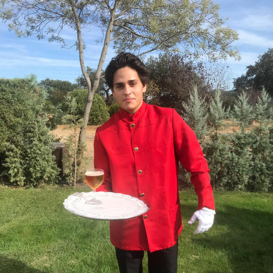 Camarero Chaquetilla Roja Madrid