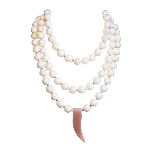 Blanche Agate Corne Necklace