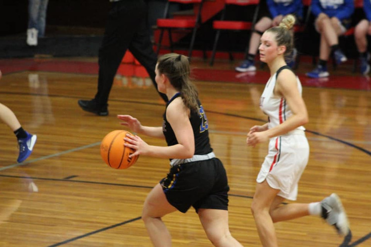 Basketball Girls 2021 Jones.jpeg