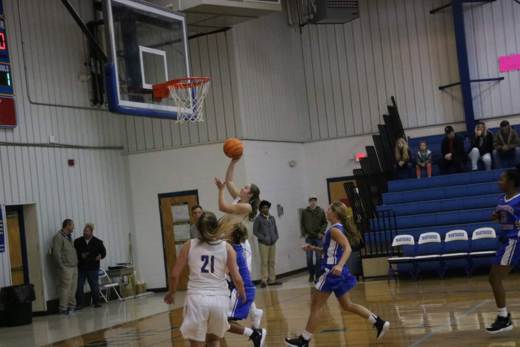 Girls Basketball 2019 8.jpg