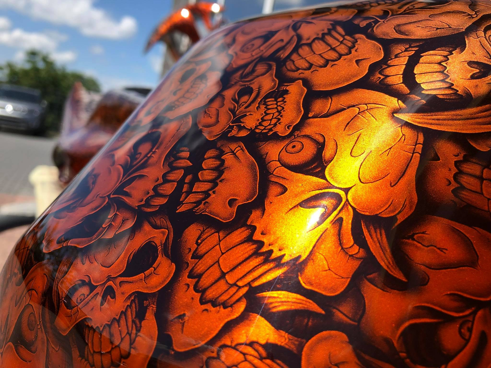 Motoradteile im Skull Design