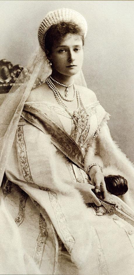 empress-alexandra-feodorovna-e1f946-1600