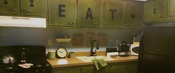 Apt 16 - Kitchen.png