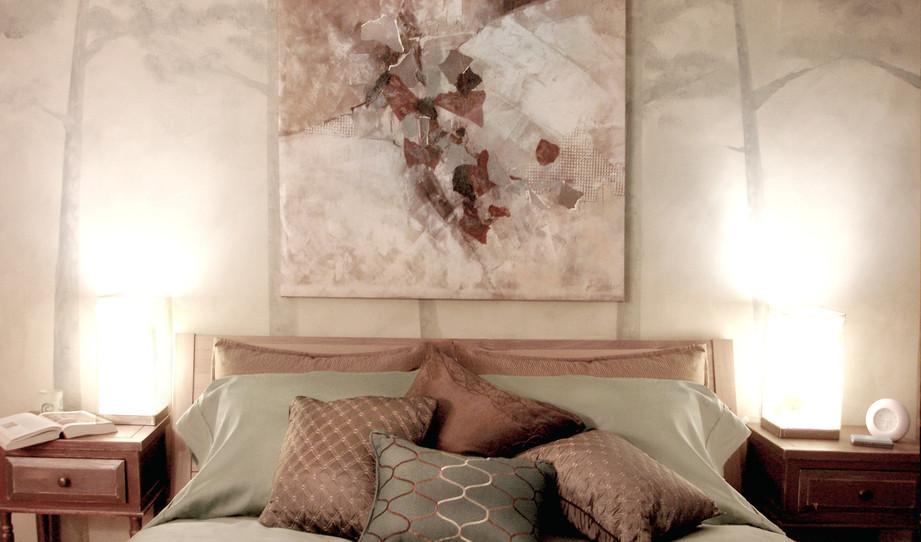 APT 1 - Silver Bedroom