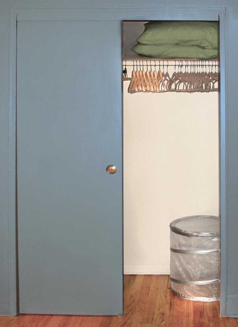 APT 16 - Double Closet.png