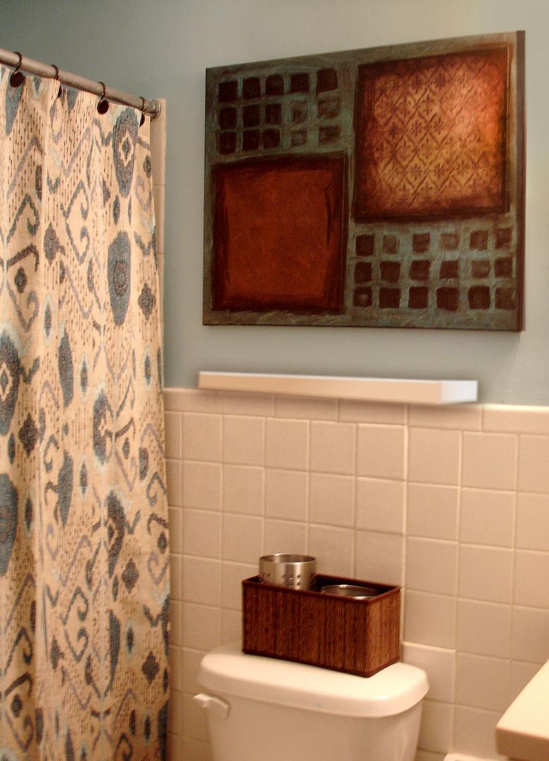 APT 4 Bathroom.jpg