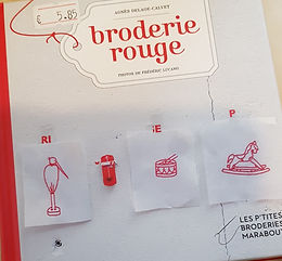 """""""Broderie rouge"""" ed. Marabout"""