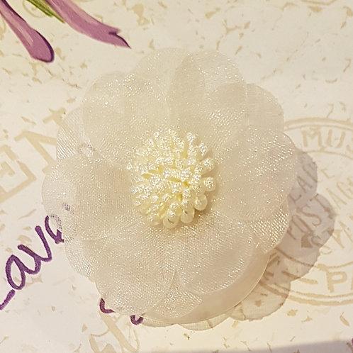 Broche-Fleur en organza écru