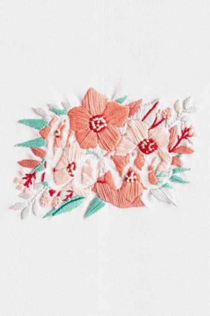 """Kit de broderie """"Fleurs de l'Amour"""" de DMC"""
