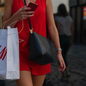 #PROJECTPLANETTALKS: Ada Apa dengan Fast Fesyen? Tips Menghijaukan Lemarimu bersama Buang Disini