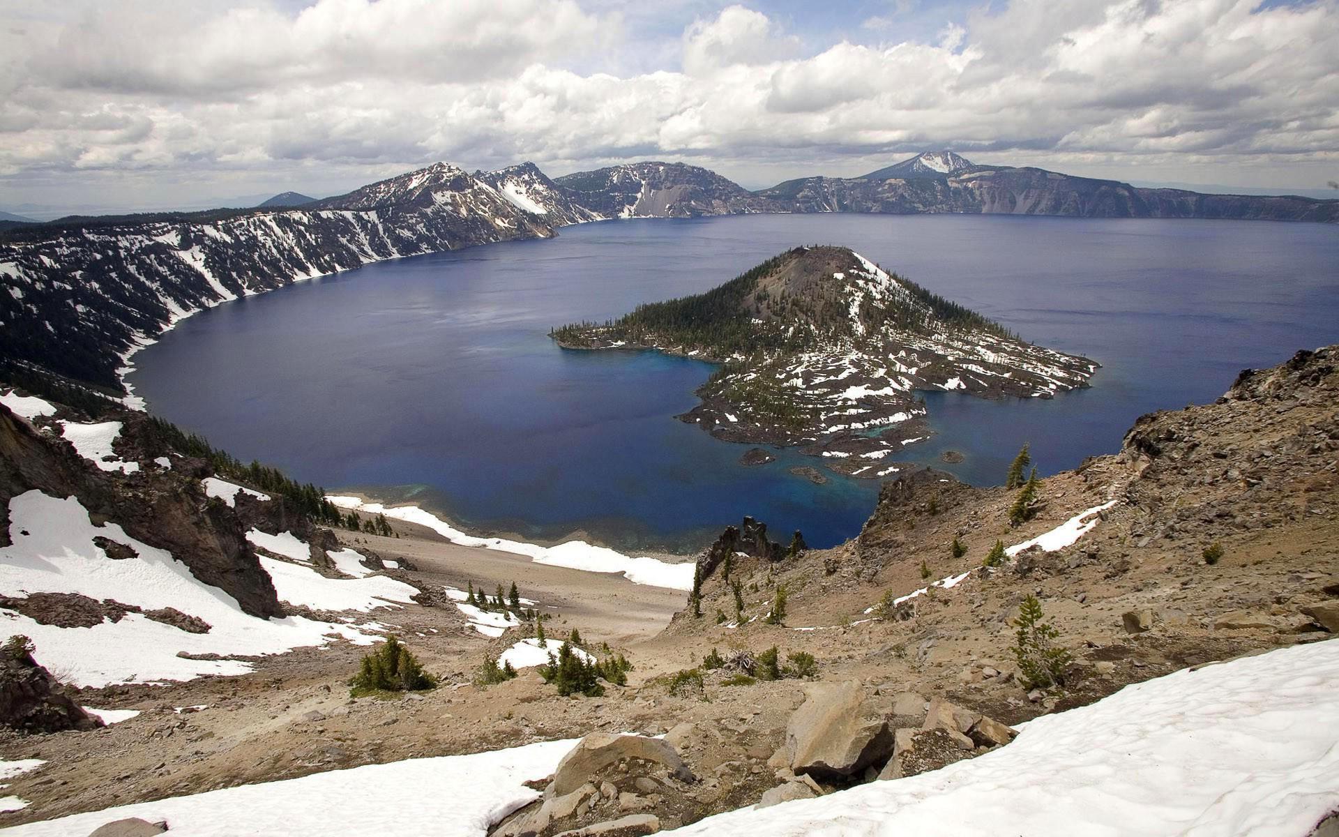 28525-trees-united-state-lake-mountain-oregon-mazama-volcano