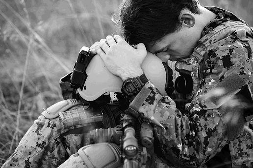 חייל עם תסמינים של פוסט טראומה