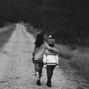 Liegen die Handlungen eines Menschen außerhalb des Weges der Liebe und des Mitgefühls...