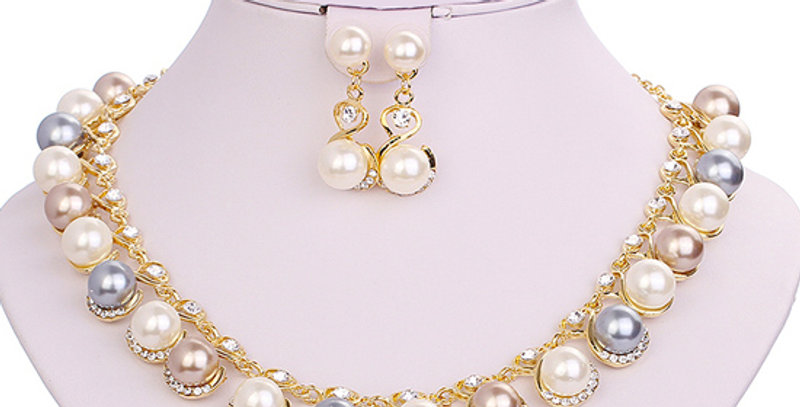 Pristine Pearl Crystal and Pearl 18K Yellow Gold Plated Jewellery Set for Girls
