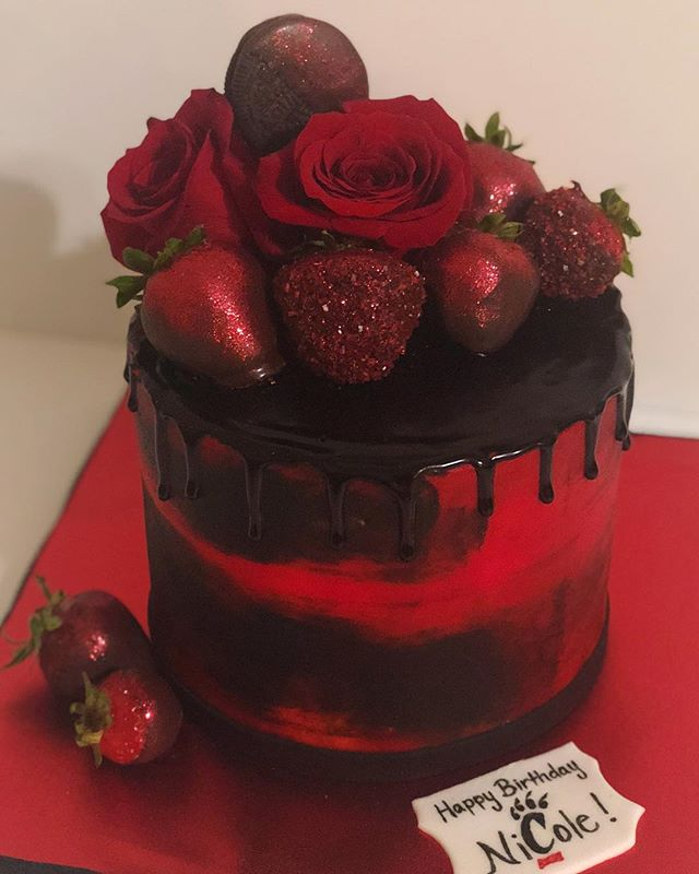 Signature Celebration Cake w/flowers
