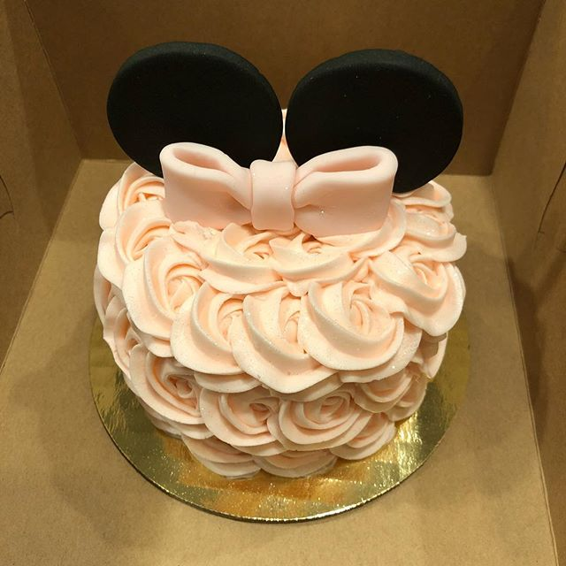 Minnie Smash Cake