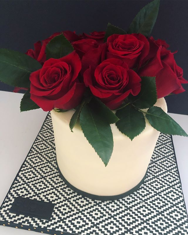 Signature Cake Bouquet