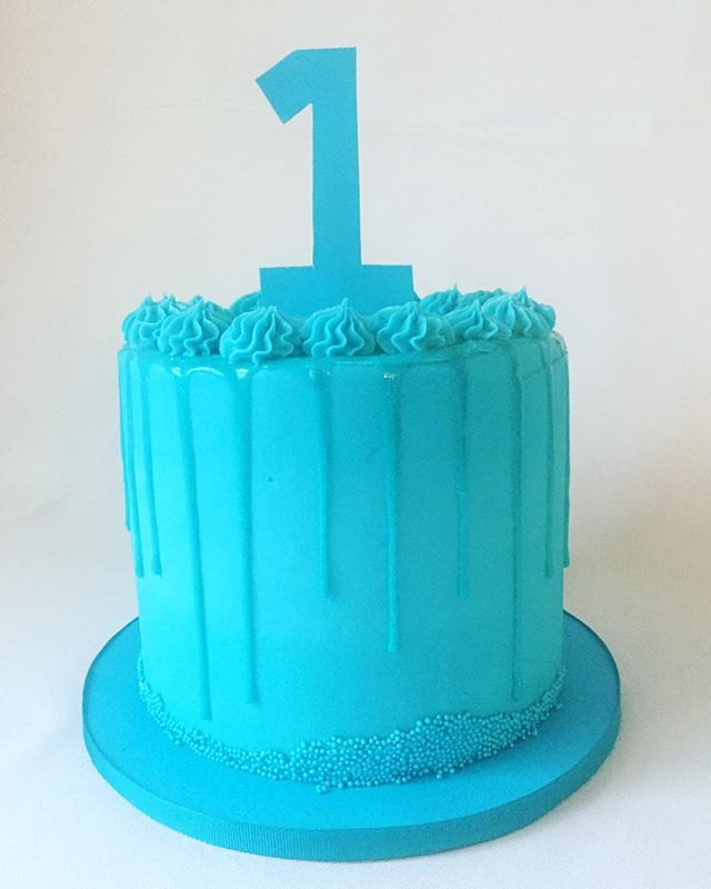 1st Birthday Drip Cake