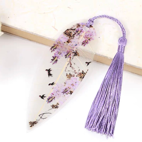 Leaf bookmark Purple flower