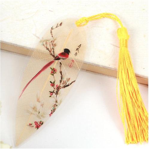 Leaf bookmark yellow