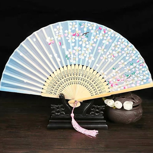 Elegant Fan - Light blue