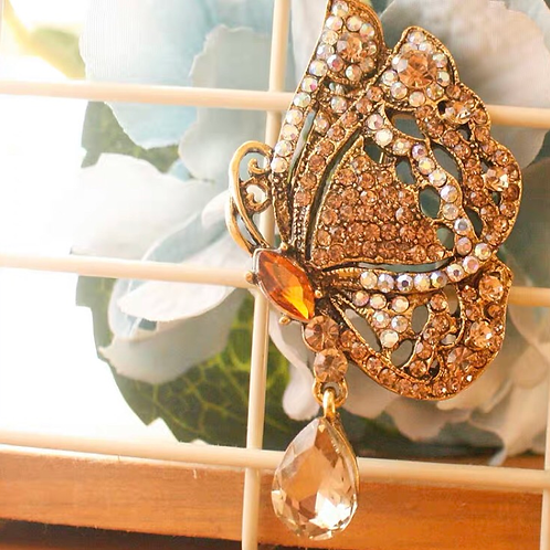 Brooch - Golden butterfly