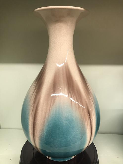 Vase B