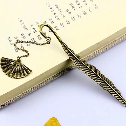 C&C feather metal bookmark (free gift box)