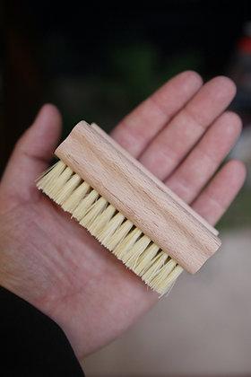 3 x natural nail / veg brushes