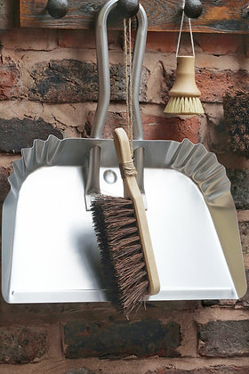 Aluminium yard dust pan / shovel