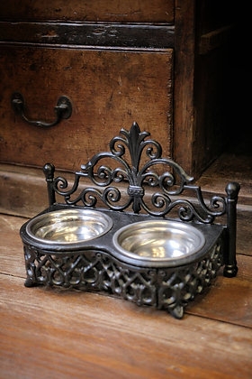 Cat / Small dog bowls