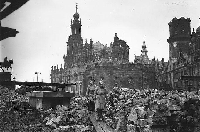 Dresda 1945.jpg