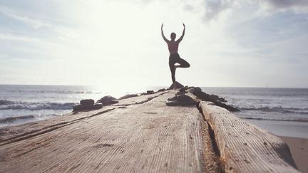 Yoga door de oceaan