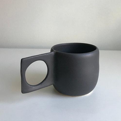 aperture mug, onyx