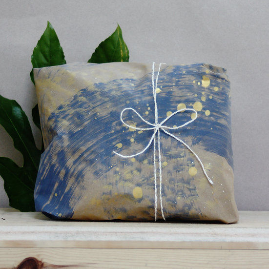 Gift wrap your items with a message