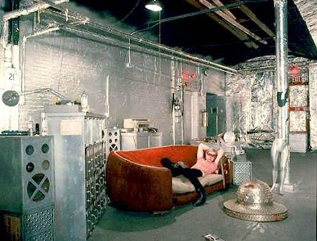 実験的空間「銀紙工場」