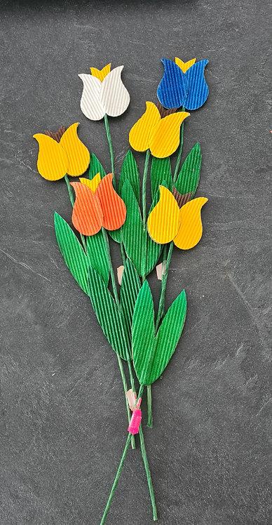 Tulpen aus Wellpappe