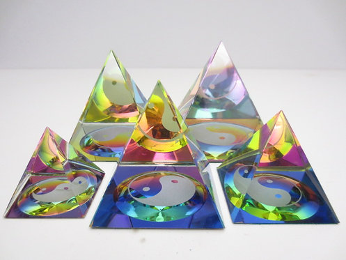 Kristall-Prisma Pyramide