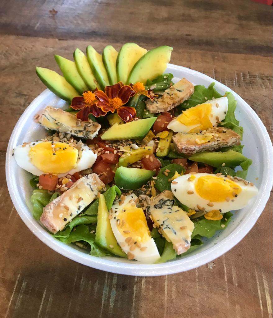 Salada de Abacate e Queijo Azul