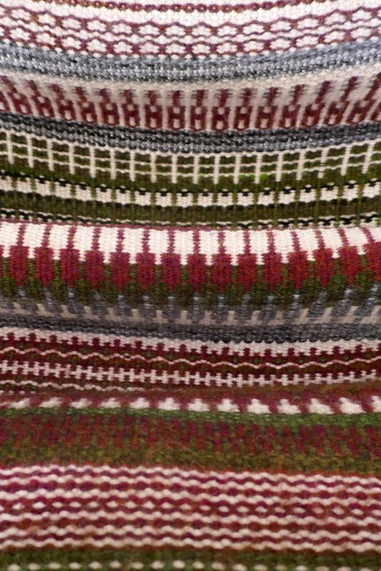 אריגת שטיח בסגנון סקנדינבי