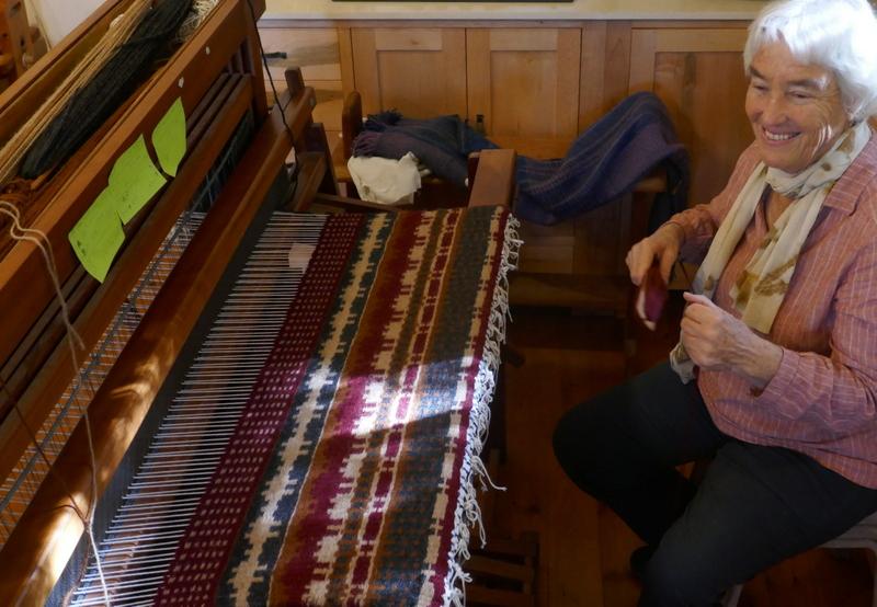 שטיח ארוג בנול בסגנון סקנדינבי