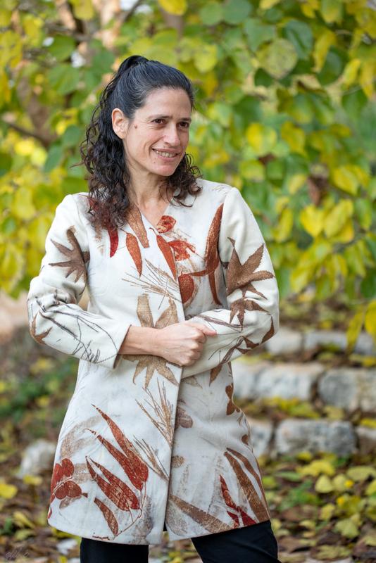 מעיל צמר עם הדפס בוטני של עלים