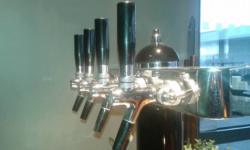pompes à bière