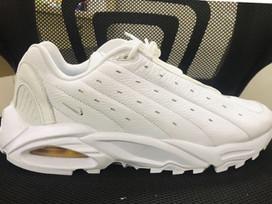 Confira as novas imagens do Drake x Nike Hot Step Air Terra