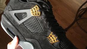 Air Jordan 4 com cabedal de suede?