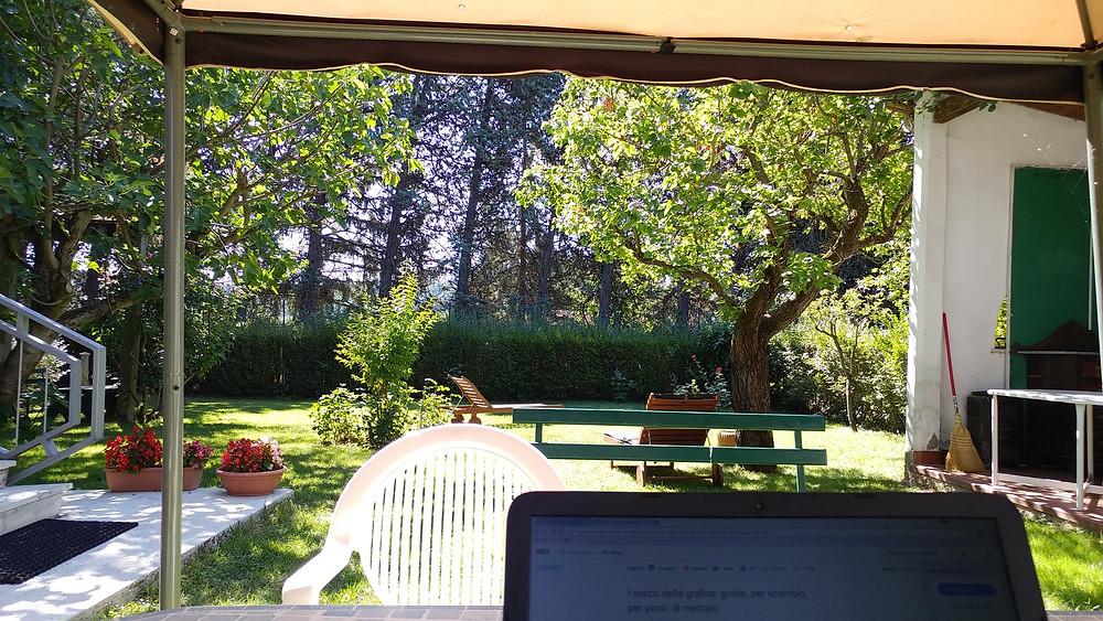 Giorgia Rocca - Lavorare in giardino