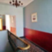 Un des couloirs de la bastide menant aux chambre