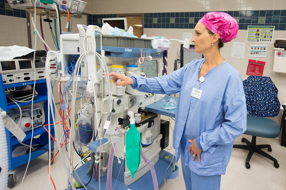 A certified nurse anesthetist at work (Photo via University of Wisconsin-Oshkosh/Flickr Commons)
